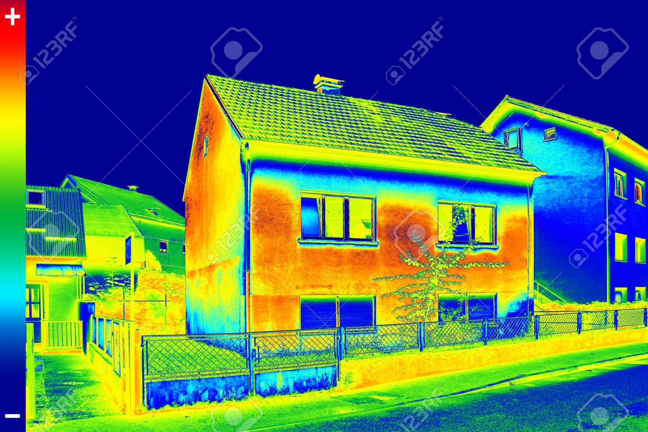 Namas per termovizorių
