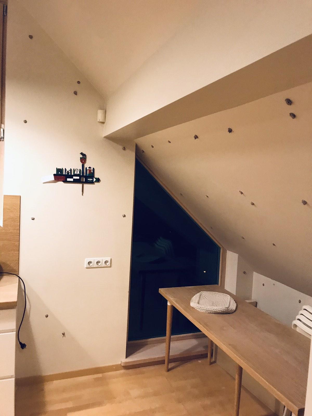 Oro tarpo tarp namo sienos ir gipso plokštės šiltinimas